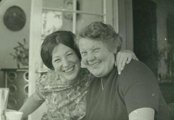 08b_Linde_mit_Mutti_1969